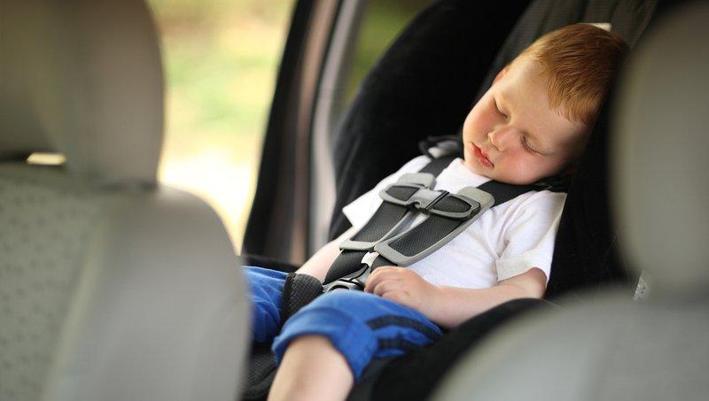 Balita Muntah di Car Seat Bersihkan Dengan 7 Trik Mudah Ini 5.jpg