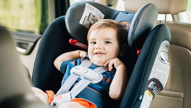 Balita Muntah di Car Seat Bersihkan Dengan 7 Trik Mudah Ini 4.jpg