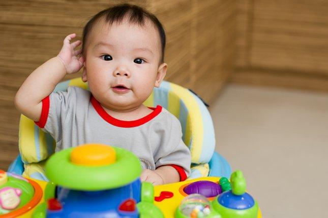 Bayi Terlalu Banyak Di Stroller, Waspadai Container Baby Syndrome 01.jpg