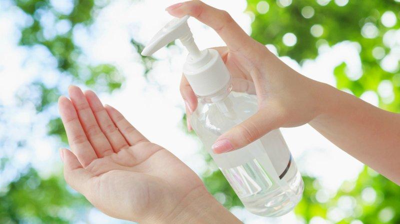 membuat hand sanitizer
