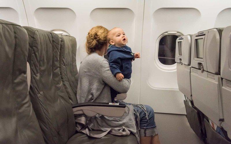 Benarkah Bayi yang Sering Diajak Bepergian Lebih Cerdas 2.jpg