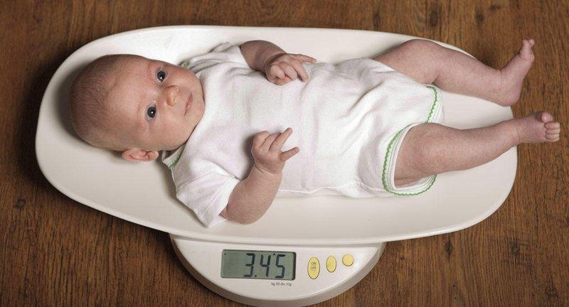 Berat Badan Bayi Turun Drastis, Mana yang Normal dan Tidak 1.jpg