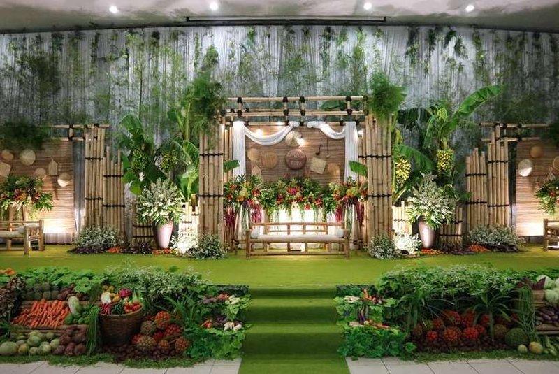 Buah dan Sayur sebagai Dekorasi Pernikahan Jawa