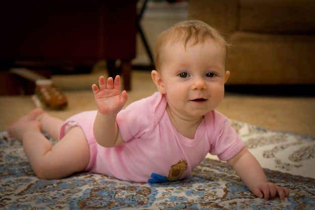 Bukan Hantu Ini Alasan Bayi Suka Melambaikan Tangan ke Ruang Kosong -2.jpg