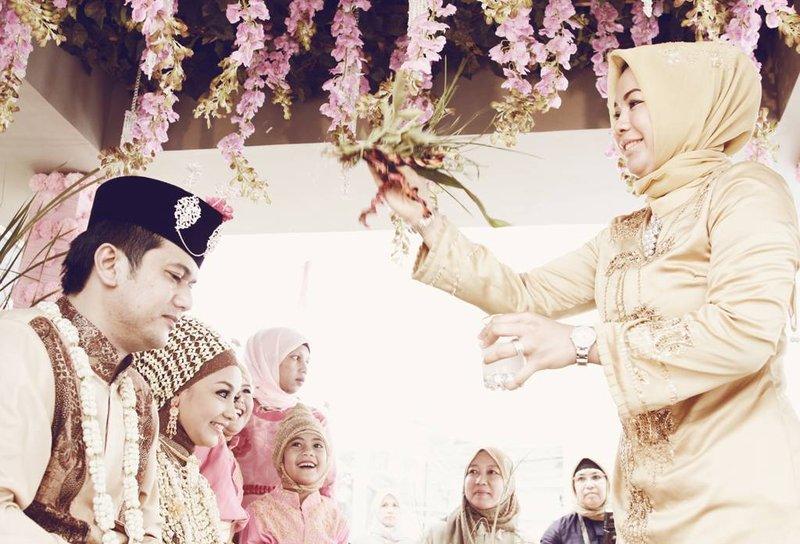 Cah Roet Pernikahan Adat Aceh.jpg