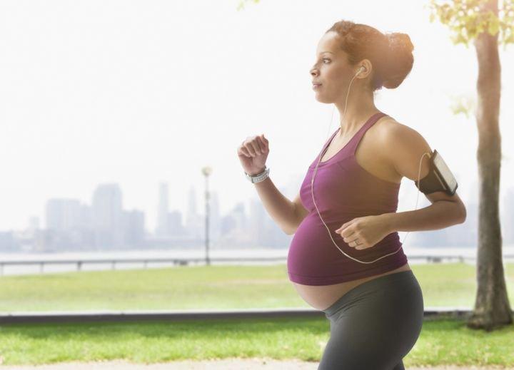 Cara Berolahraga dengan Aman di Trimester Ketiga Kehamilan.jpeg