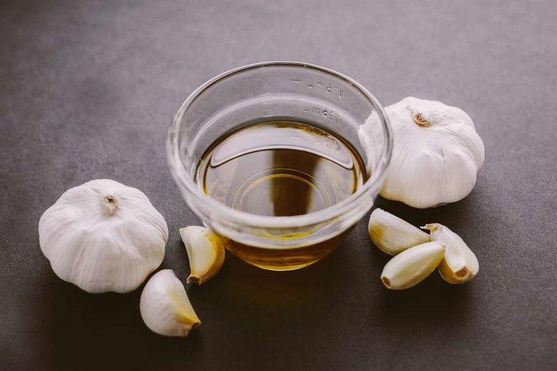 Cara Cepat Memanjangkan Kuku dengan Minyak Zaitun dan Bawang Putih