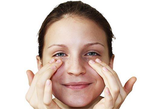 Cara Memakai Minyak Zaitun Pada Wajah Sebelum Tidur - krim mata.jpg
