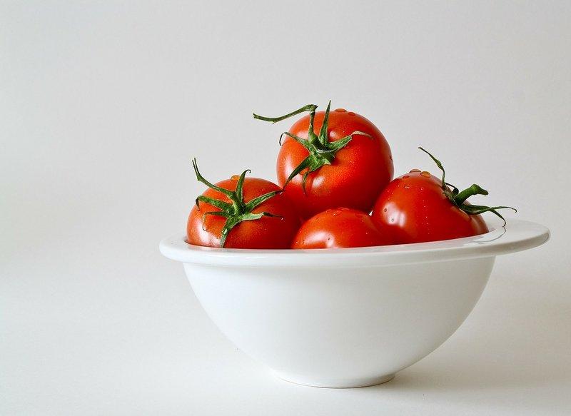 Cara Memutihkan Wajah dengan Tomat1.jpg