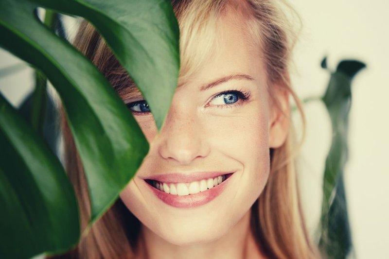 Cara Menghilangkan Garis Senyum -1.jpg