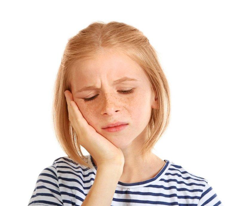 4 Cara Mengobati Gusi Bengkak pada Anak, Efektif! | Orami