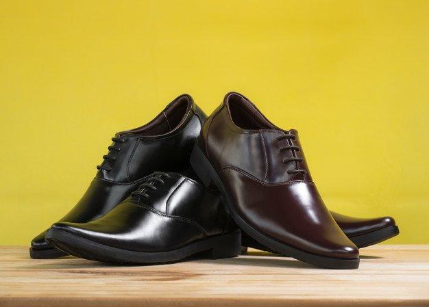Cara Merawat Sepatu Kulit Sintetis