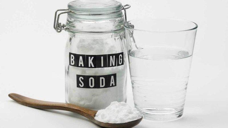 Cara menghilangkan komeda - baking soda dan air.jpg