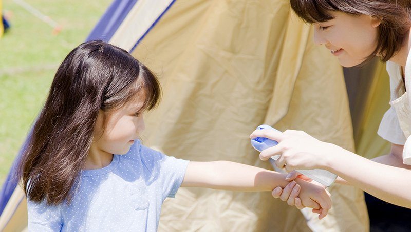 Catat! 5 Tips Aman Menggunakan Lotion Anti Nyamuk Untuk Anak 2.jpg