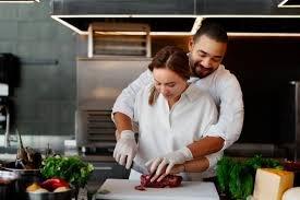 Chef adalah seseorang yang memiliki tanggungjawab memasak dan memimpin dapur.jpg