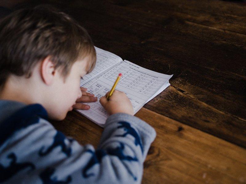 Ciri-ciri Anak dengan Rasa Percaya Diri Rendah 5.jpeg