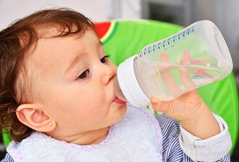 Coba 4 Tips Saat Bayi Terkena Tifus -2.jpg