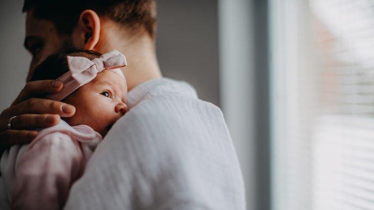 mencegah infeksi telinga bayi