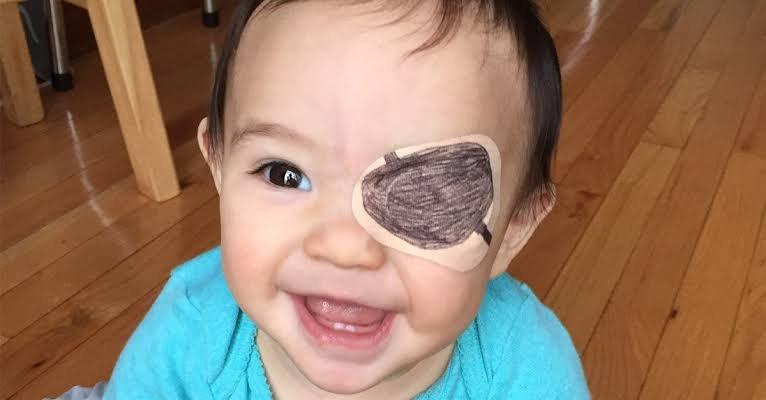 kelopak mata bayi turun