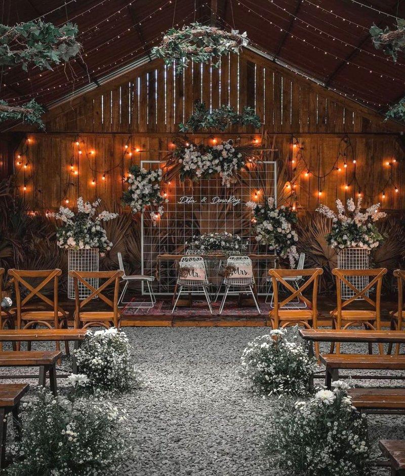 Dekorasi Pernikahan Modern Bertema Country Rustic
