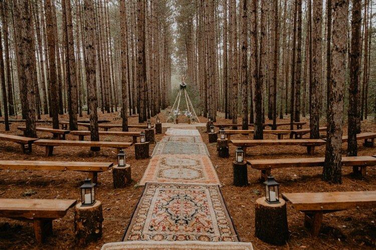 Dekorasi Pernikahan Outdoor Hutan.jpg