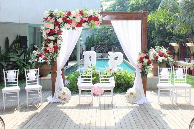 Dekorasi Pernikahan Outdoor Kolam.jpeg