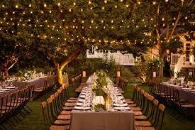 Dekorasi Pernikahan Outdoor Lampu.jpg
