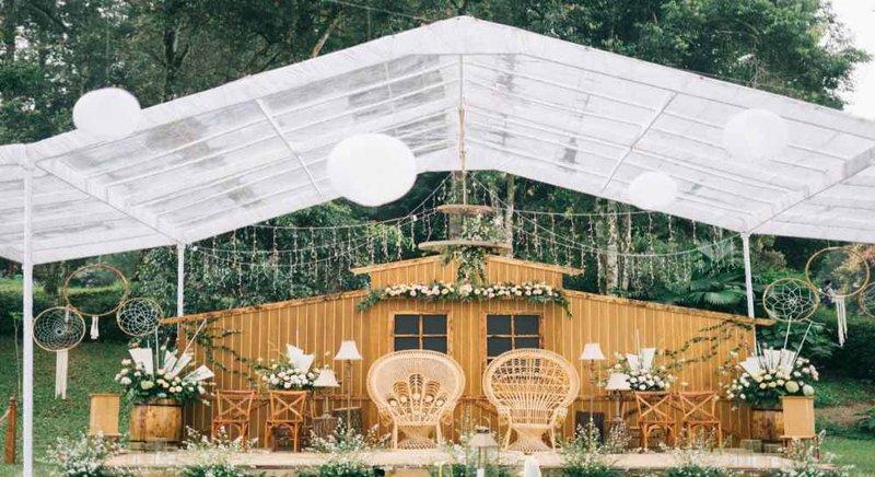 Dekorasi Pernikahan Simpel
