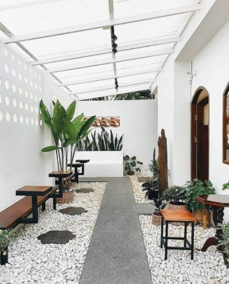 Desain Teras Rumah Minimalis Bertema Batu Alam