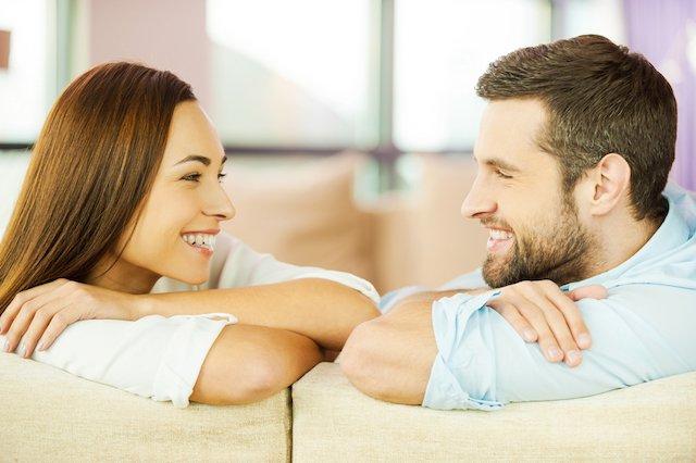 Diskusikan 4 Hal Ini Setiap Hari dengan Suami Agar Pernikahan Bahagia 02.jpg