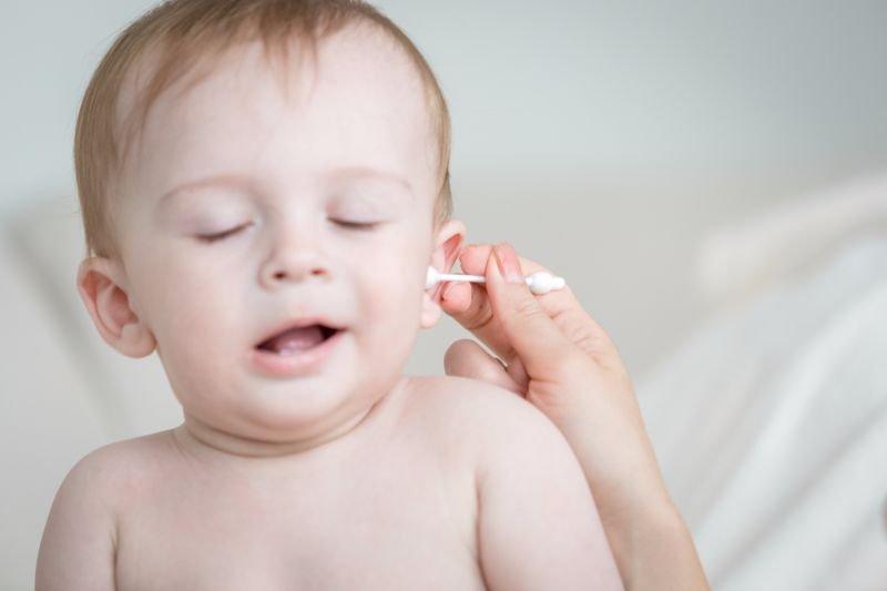 Do's & Don't Membersihkan Telinga Bayi 2.jpg