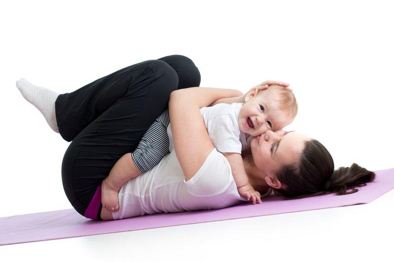 Do's & Don't Saat Melakukan Yoga Bersama Bayi 1.jpg