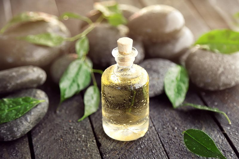 Essential Oil yang Mujarab untuk Hilangkan Jerawat - 1.jpg