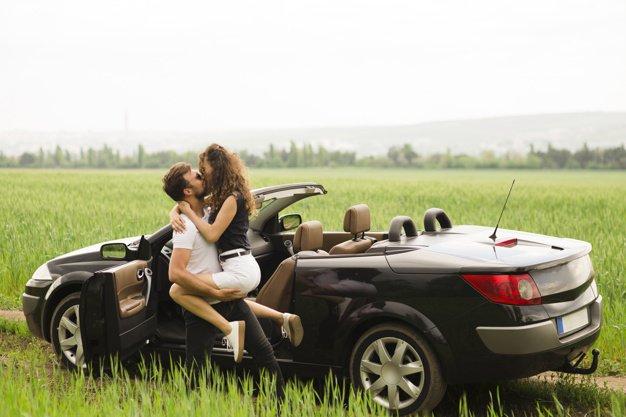 Berfantasi seksual dapat mengatasi nafsu saat suami jauh