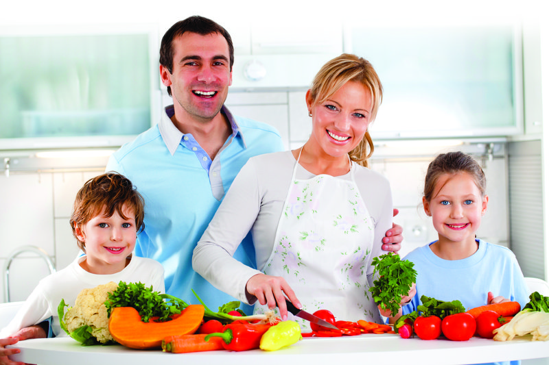 Feature_0812_FamilyInKitchen.jpg