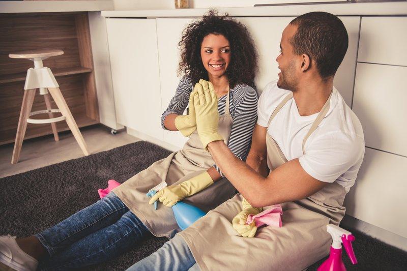 Cara Membagi Tugas Suami Istri yang Adil