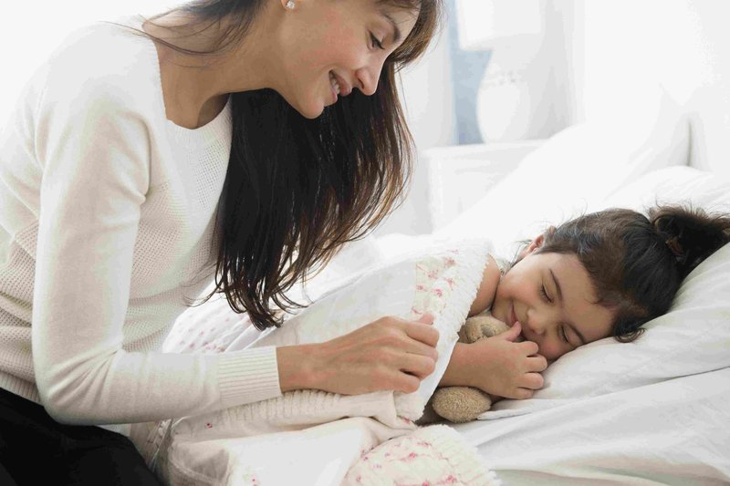 Getty_mother_daughter_bedtime_routine_LARGE_JGI-Jamie-Grill-56a13ebe3df78cf77268bcf6.jpg