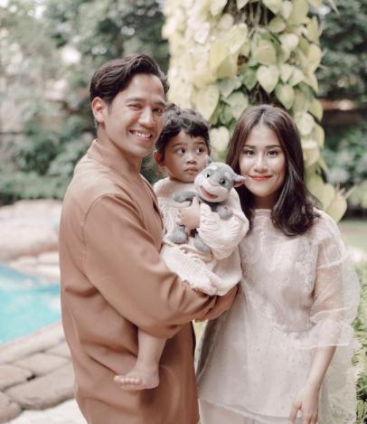 Gya Sadiqah dan Keluarga 2.png