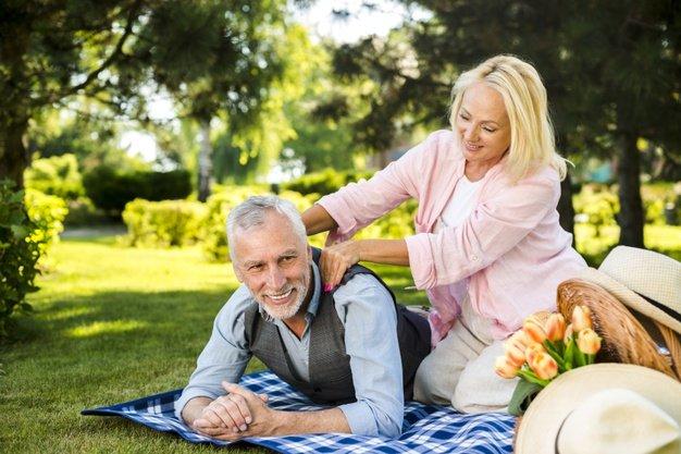 Hangatkan Kembali Rumah Tangga Dengan 7 Ide Romantis Dengan Suami 6.jpg