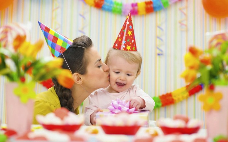 Happy-Birthday-HD-Wallpapers-and-Pics-Mom+baby.jpg