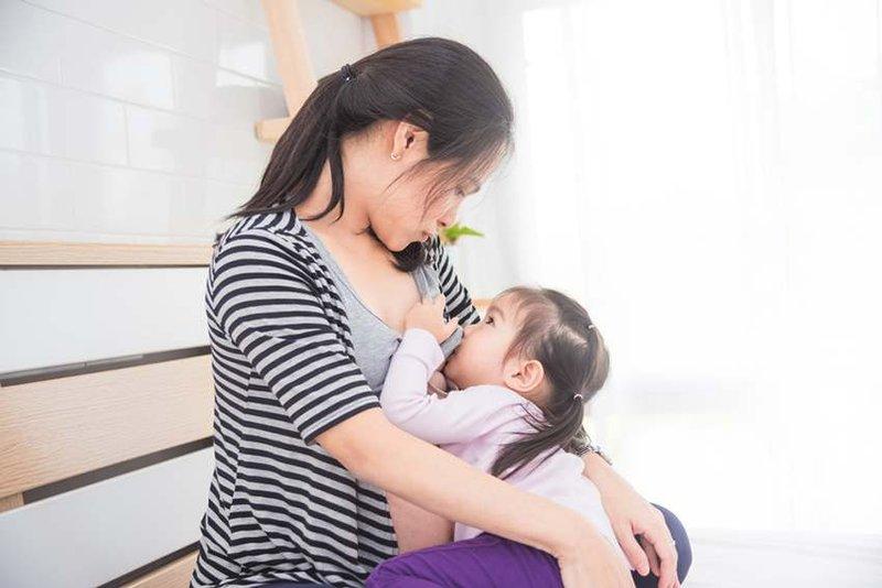 Tanda Hamil Saat Menyusui Bayi -1
