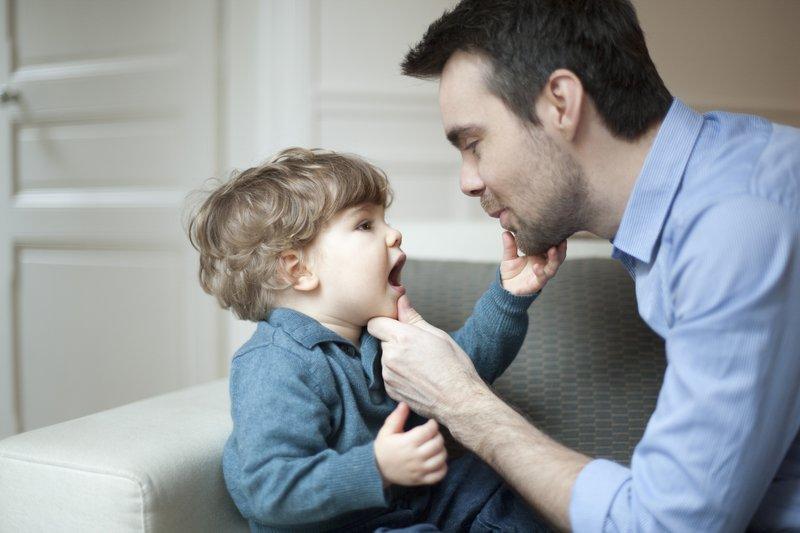 Hati-Hati Moms Terlambat Bicara Bisa Jadi Tanda Autisme 2.jpg