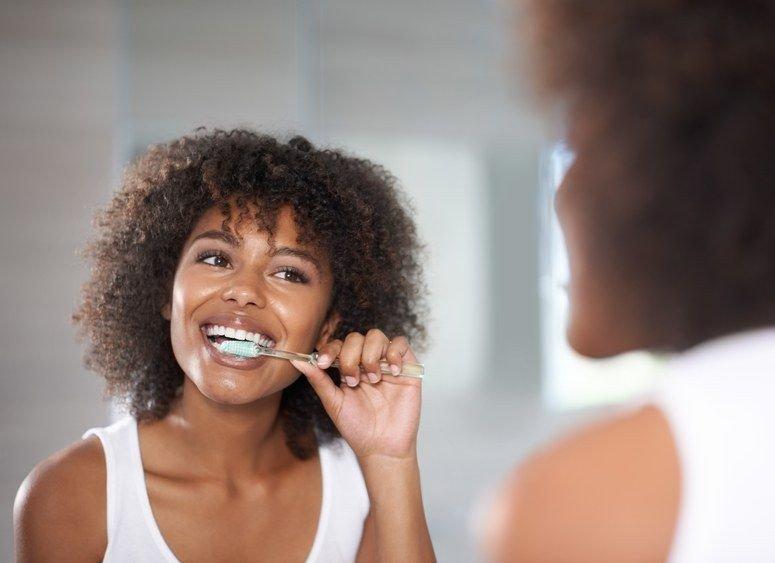 Hindari 10 Penyebab Bau Mulut yang Menganggu Keseharian Kita 05.jpg