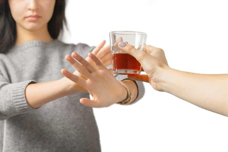 dampak negatif minuman keras keracunan