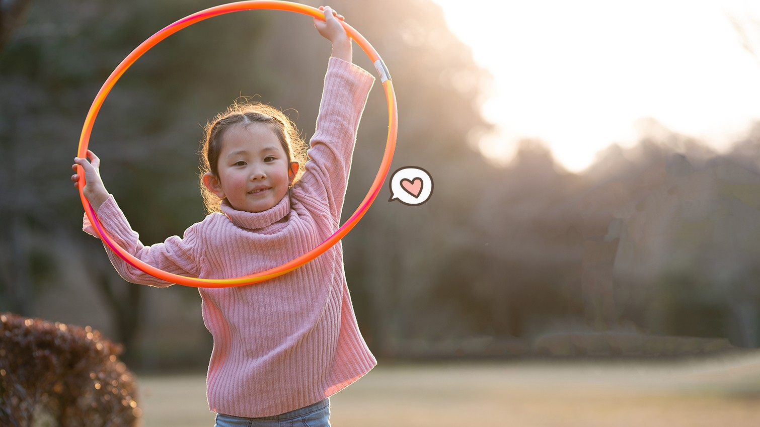5 Manfaat Bermain Hula Hoop Bagi Anak
