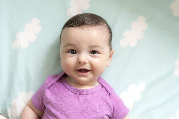 Ide Nama Bayi Laki-laki Terinspirasi dari Ilmuan dan Sastrawan 4.jpeg