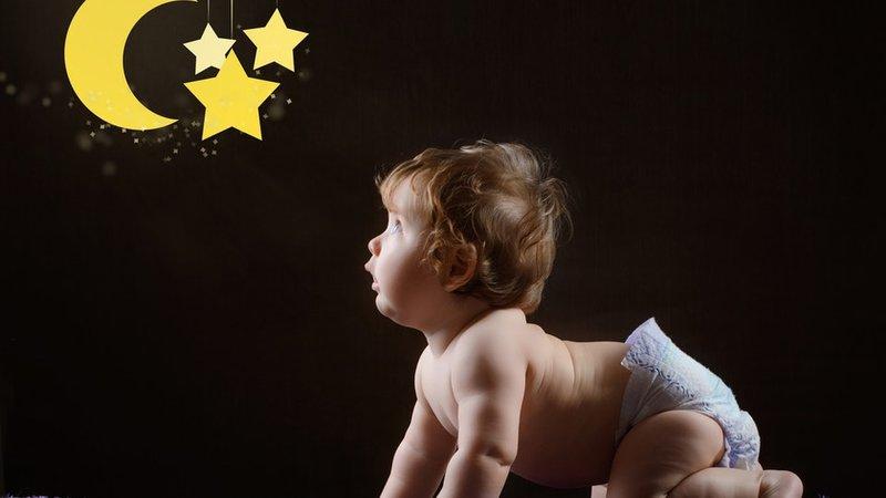 Ide Nama untuk Bayi yang Lahir Malam Hari -1.jpg