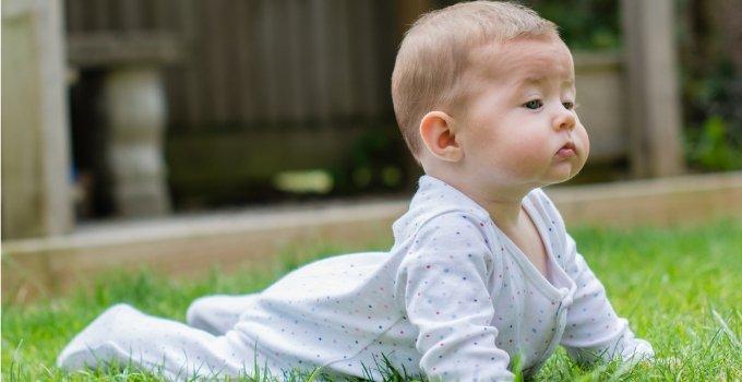 Ikuti 4 Pose Yoga untuk Bayi Ini Moms -2.jpg
