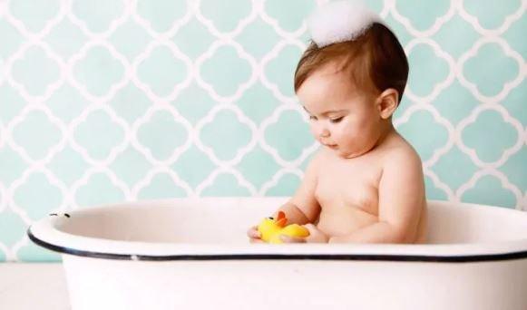Ikuti 5 Tips Ini Sebelum Membeli Sampo Bayi -4.jpg