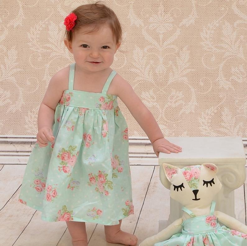 Ini 5 Hal Yang Harus Moms Tahu Tentang Baju Bayi -1.jpg